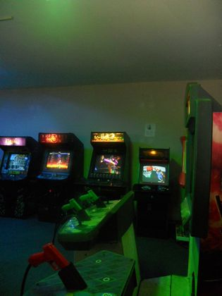GAMIFICATION COOL EMPLOYEE GAME ROOM