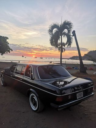 BEACH SUNSET LIMOUSINE CENTRAL AMERICA