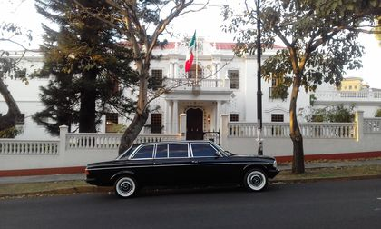 LIMOUSINE IN FRONT OF MEXICAN EMBASSY COSTA RICA