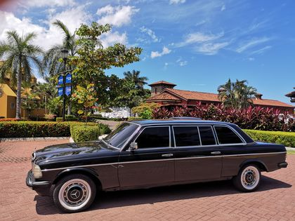 PACIFIC COAST COSTA RICA. LIMOUSINE W123 MERCEDES RIDE