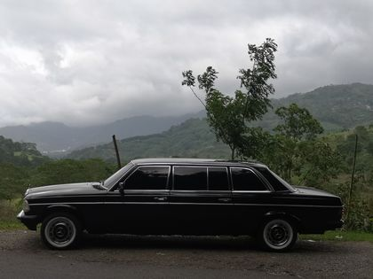 CARTAGO MOUNTAINS. COSTA RICA LIMOUSINE RIDES MERCEDES W123